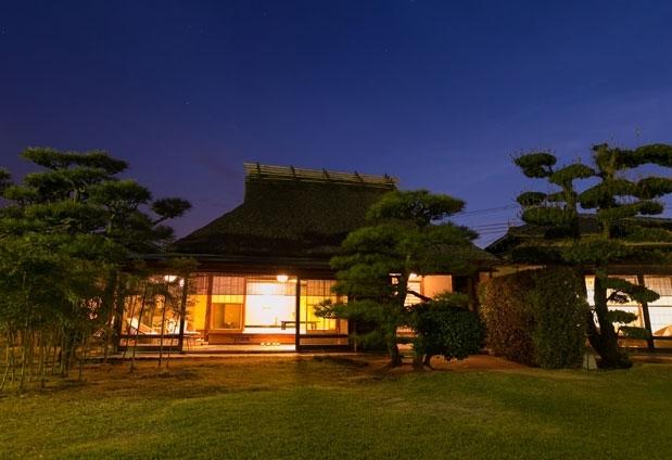 広島県にある「西山別館」の魅力③特別室「藁の家」