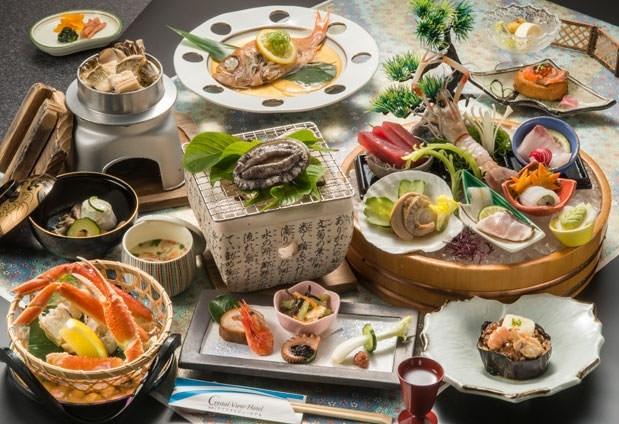 伊豆ならではの味覚と絶景を同時に楽しめる食事処