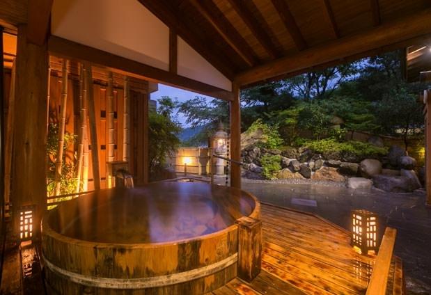 おすすめ温泉宿①:湯巡りが思う存分楽しめる「湯めぐりの宿 松の家 花泉」