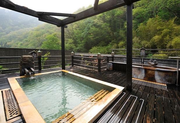 おすすめ温泉宿②:山に包まれたような湯浴みと山里料理でほっこりできる宿「八景」