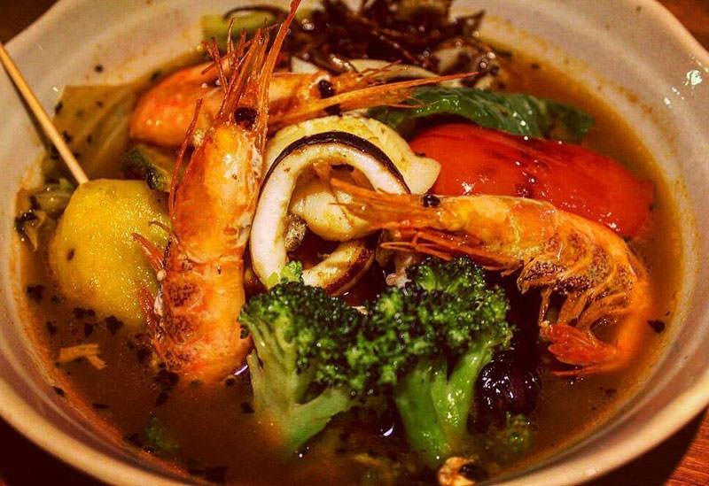 いつでもスープカレーが味わえる「Soup curry & Cafe CRABON」