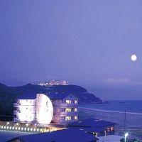 絶景を望む隠れ家の様な宿。「夢紡ぎの宿 月の渚」で優雅な休日を