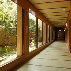 石川県・福井県で厳選。露天風呂付客室で自分だけの時間を愉しむ旅へ