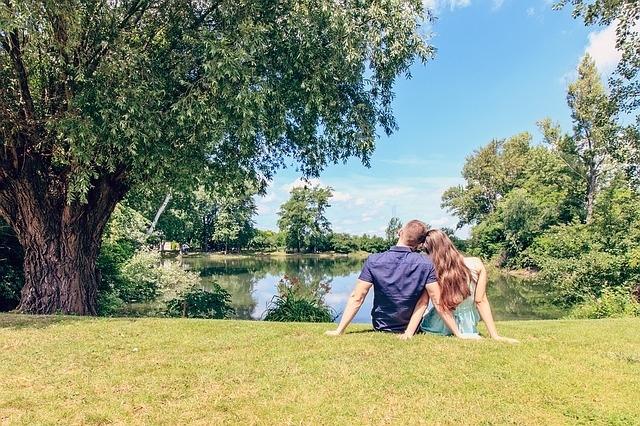 おすすめの「0円」外デート①公園でピクニックデート