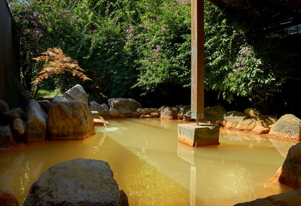美しい露天風呂