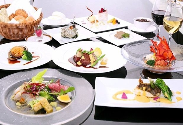 伊豆の食材をふんだんに使用した和懐石と本格フレンチ