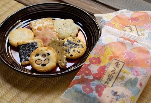 日本の四季をちりばめたお菓子「をぐら山春秋 大缶」