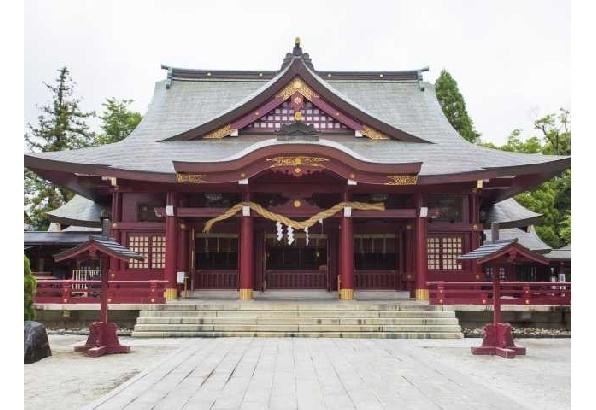 藤の甘酸っぱいにおいに包まれる 笠間稲荷神社