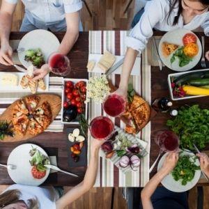 手軽に自宅レストラン。テイクアウト&デリバリーを使って食の旅へ【都内】