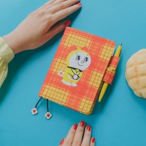 手帳を買いそびれた人へ…… 「ドラミちゃん × ほぼ日手帳2021」に春の新作カバーが登場