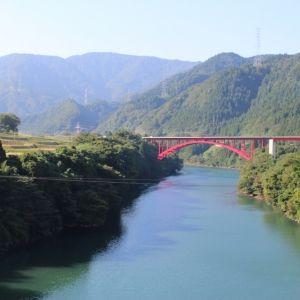 新しい旅の仕方を提案!「大人の遊び、33の富山旅。」に教わるストーリーのある旅