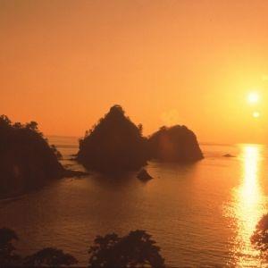 全室オーシャンビューの西伊豆の宿で「日本の夕陽百選」の絶景にうっとり