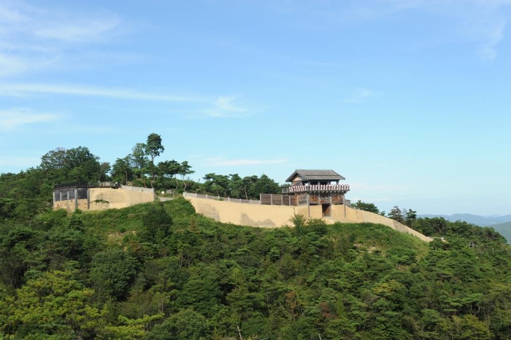 日本版「万里の長城」!?鬼がいたとされる謎の空中古城が岡山にあったその2
