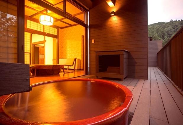 「くつろぎの宿 向瀧」の魅力①眺めのいい客室