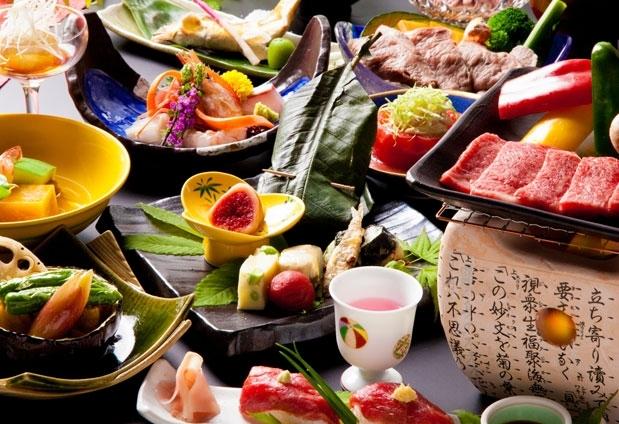 旬の食材をふんだんに使用した会席料理