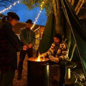 手軽にアウトドア体験! 外で暖炉が楽しめる「椿森コムナ」で冬限定の非日常を過ごそう