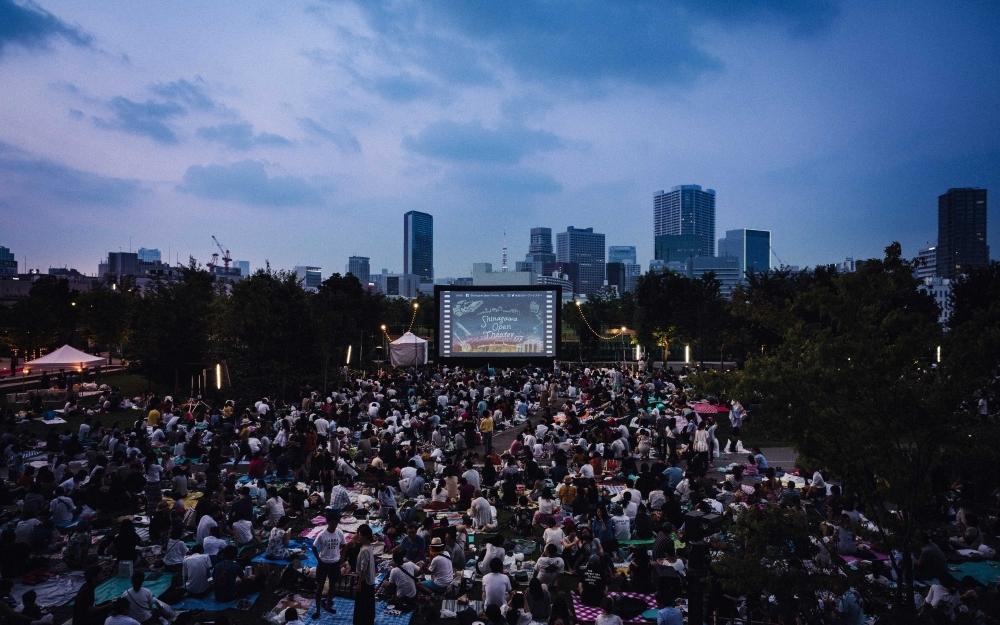 都心の夜景と映画のコラボは必見