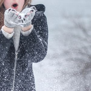 寒さを乗り越える!防寒バッチリの冬旅コーデ[連載]旅色☆大使の◯◯チェック♪vol.12