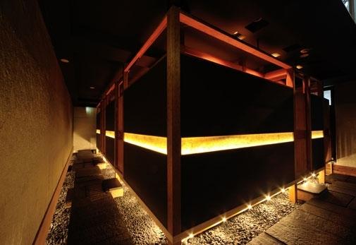 飯田橋で極上の国産黒毛和牛「円居-MADOy- 神楽坂別邸」のこだわり▶和×モダンな大人の空間