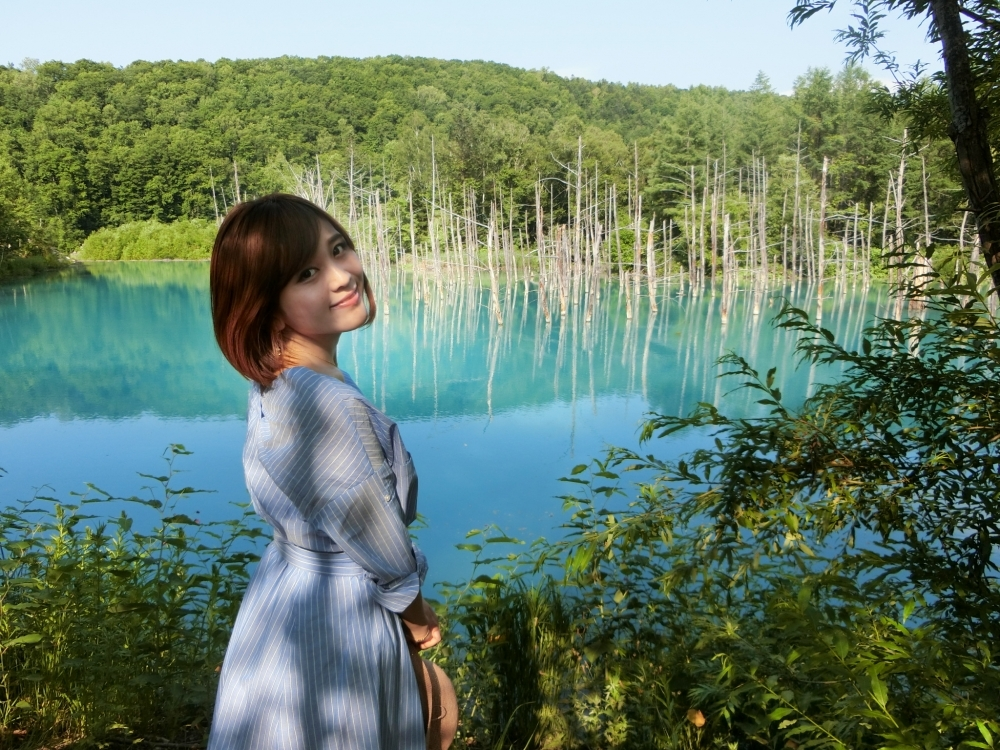 ①北海道・美瑛町の青い池 ~映画『心に吹く風』ロケ地~