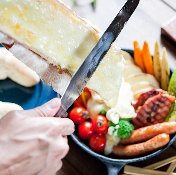 """一番人気は""""とろ~りとろける ラクレットチーズ"""""""