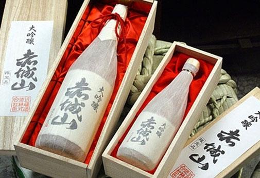 特別大吟醸酒/4年連続金賞受賞の本格派「赤城山」(群馬県)