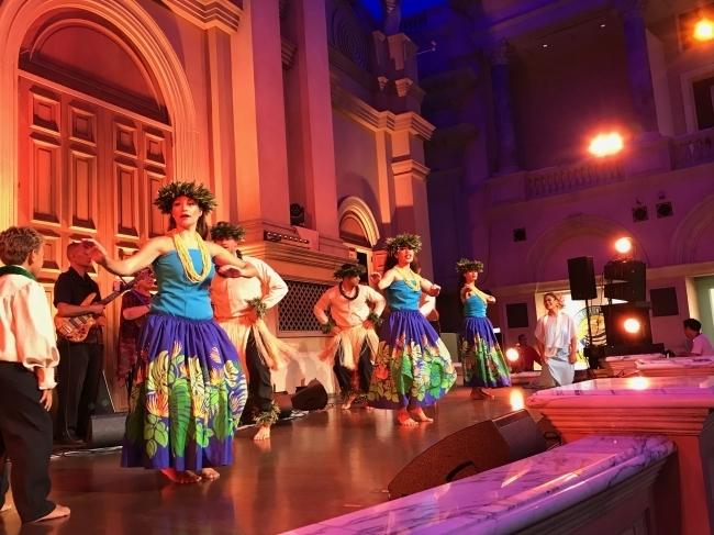 ハワイアンミュージックにフラダンスとハワイらしさ満載のイベント