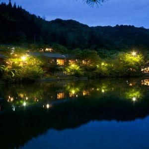 昭和の文豪が愛した宿。湯治目的で西郷隆盛も浸かった湯を堪能する旅へ