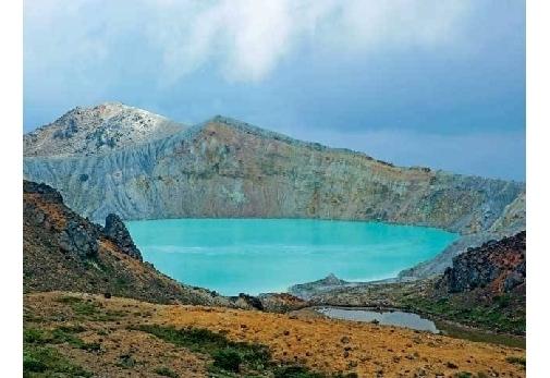 湖面観光が3年ぶりに解禁された「湯釜」
