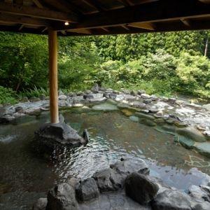首都圏からすぐの谷川温泉へ。天然温泉と自然に癒される「檜の宿 水上山荘」