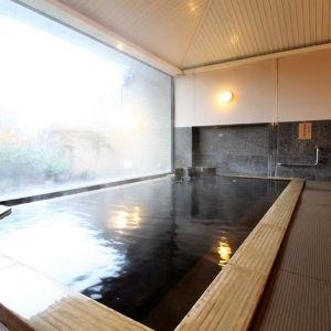 掛け流しの高濃度温泉と能登の美食を味わうなら「ちりはまホテルゆ華」へ