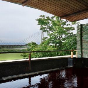 """""""美肌の湯""""モール温泉とモダンな客室。十勝へ夏のリゾート旅を"""