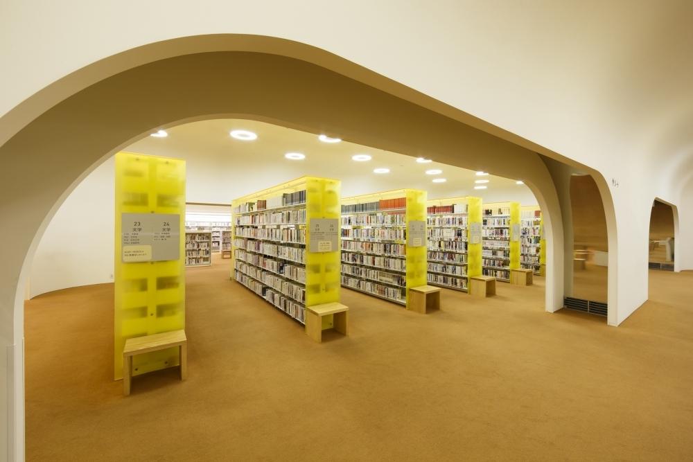 本を借りたらすぐコーヒーを。読書の秋はカフェがある東京の図書館へその2