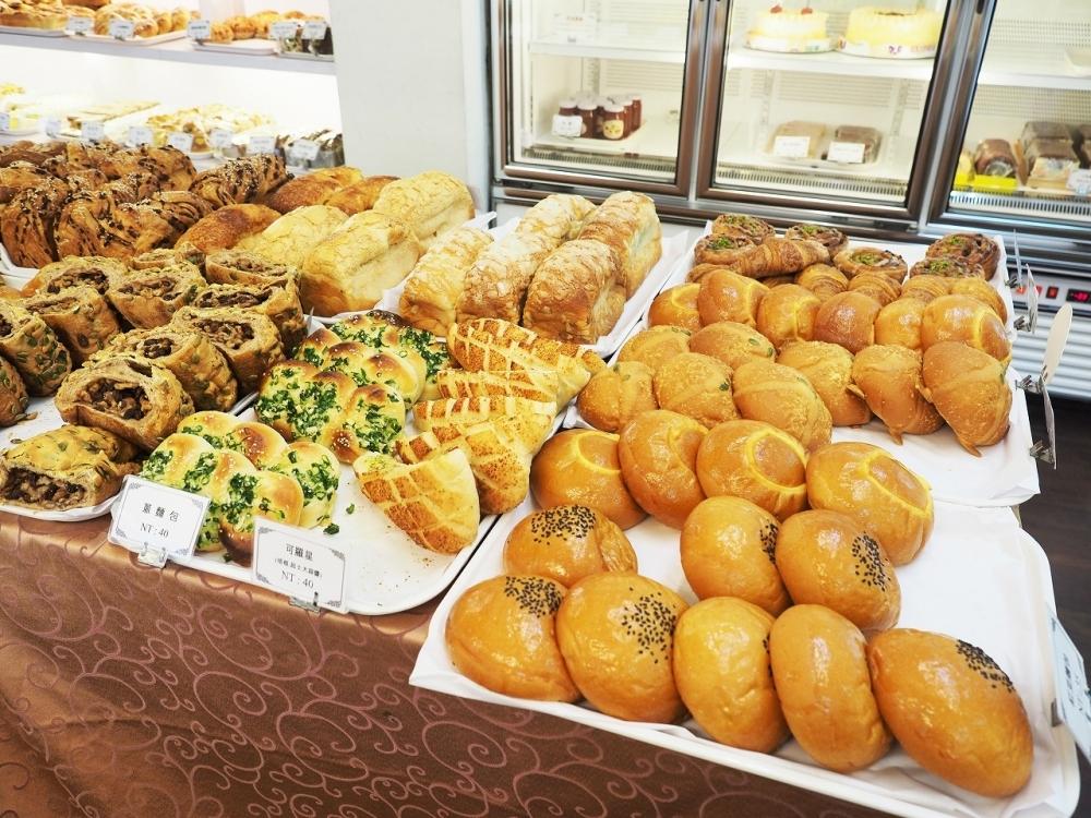 絶品朝食②:最高に優雅なレトロ喫茶「明星珈琲館」で、焼きたてとろーり絶品エッグタルトとマンゴーシェイク
