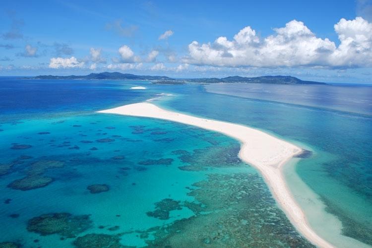 東洋一の美しさを誇る天然ビーチ「ハテの浜」
