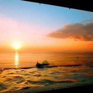 駿河湾の圧巻の夕日を一望。「海のほてる いさば」で忘れられない一日を