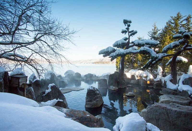 【北海道】季節の絶景を愉しめる温泉宿3選