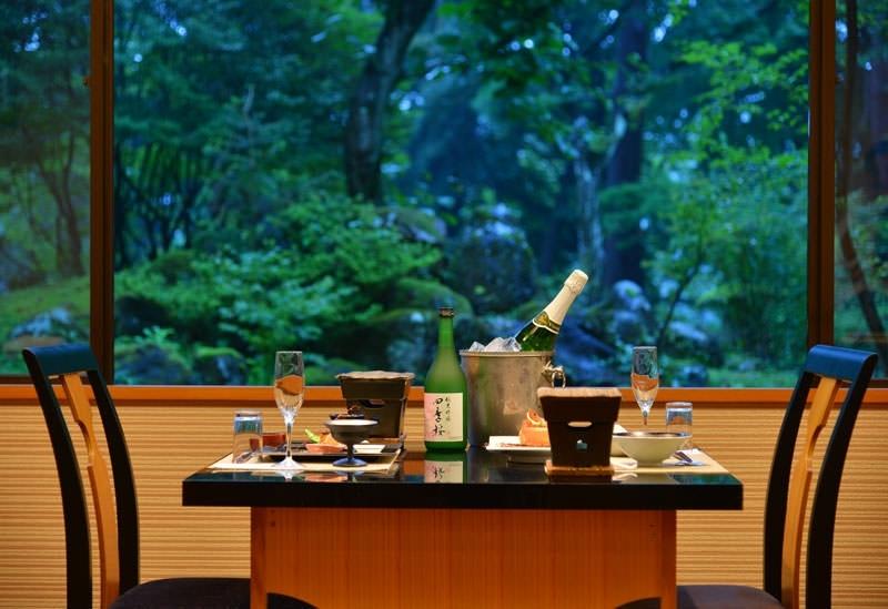 宿自慢の日本庭園