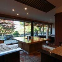 静けさに包まれた壮大な日本庭園に心がゆるむ。「日光 星の宿」へ行こう