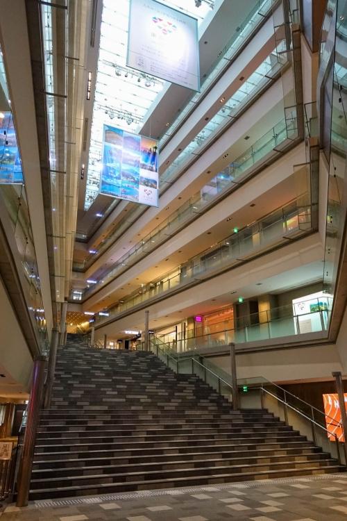 建築史家・倉方さんとひも解く東京。名建築が立ち並ぶ表参道へその3