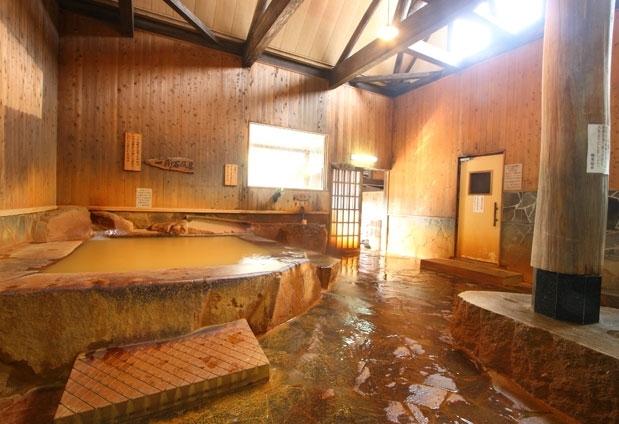 「極楽温泉 匠の宿」で体験できる4つのこと:③全国にごり湯百選に選ばれた名湯に浸かる