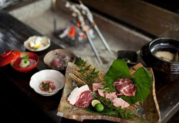 「極楽温泉 匠の宿」で体験できる4つのこと:④山河料理を味わう