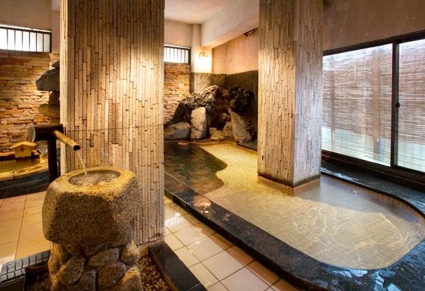 ②歴史を感じる大浴場