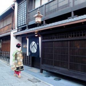京都の魅力を再発見しよう!日本最古の花街・上七軒の個性派宿へその0