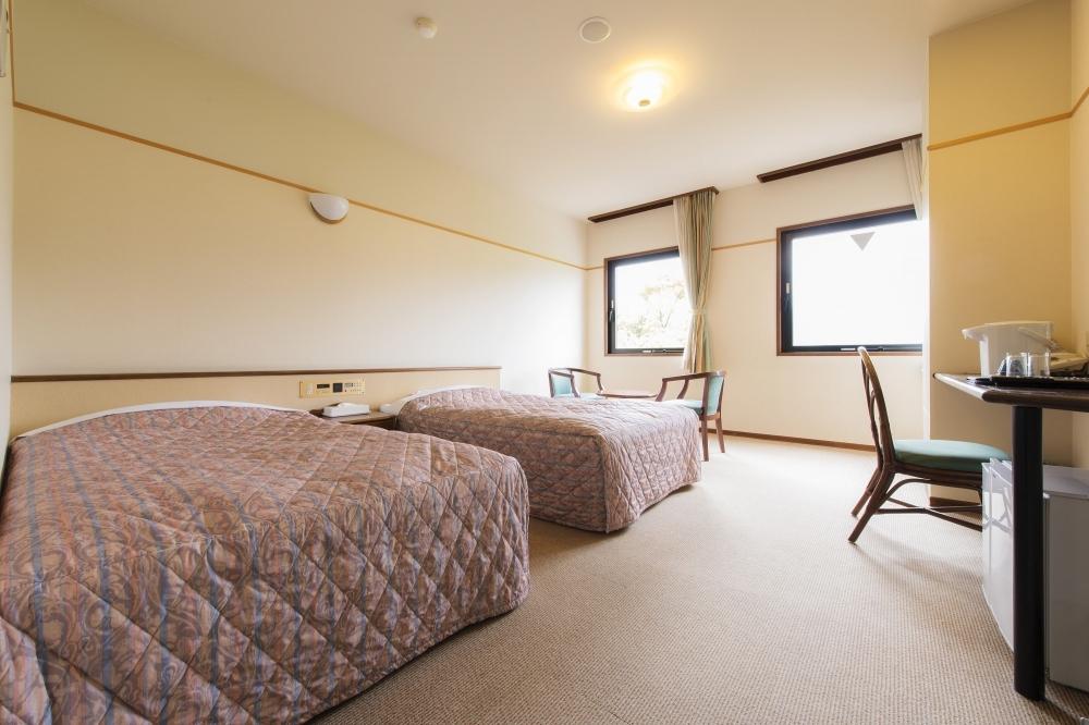 宿泊すべきは海側の客室