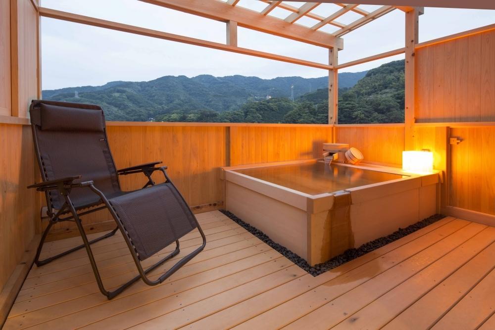 露天風呂付きの客室で思いっきりザブーン!