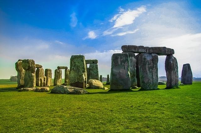 イギリスの世界遺産「ストーンヘンジ、エーヴベリーと関連する遺跡群」①概要