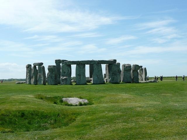 イギリスの世界遺産「ストーンヘンジ、エーヴベリーと関連する遺跡群」②歴史