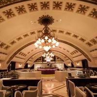 移設したシャンデリアがとにかくおしゃれ!記念日・女子会で利用したいレストラン