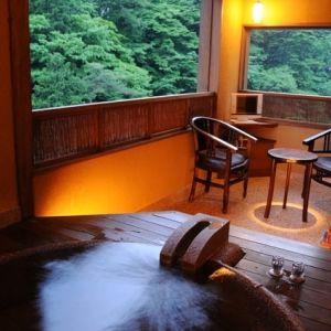 1日5組のみの贅沢な隠れ家。四万温泉「渓声の宿 いずみや」